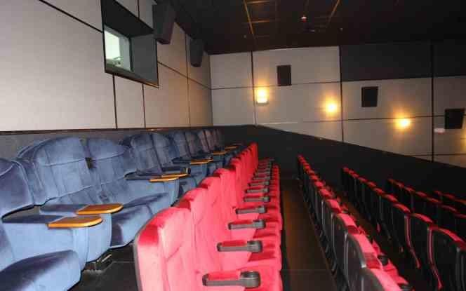 Афиша кинотеатров одесса кино квадрат заказ билета на концерт в самаре