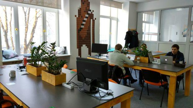 Data-Hub Крещатик, Киев