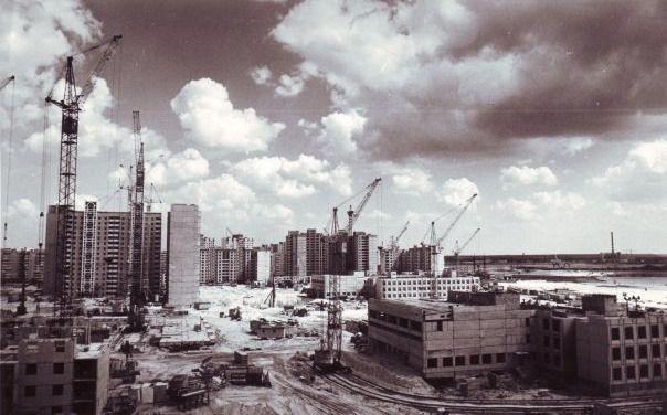 Строительство Позняков в 1988 году