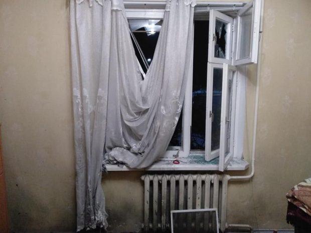 """В квартиру координатора """"С14"""" неизвестные бросили гранату"""