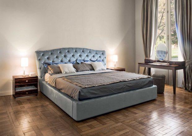 Двуспальная кровать для спальной комнаты
