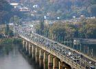 Движение транспорта по мосту Патона в обоих направлениях будет закрыто