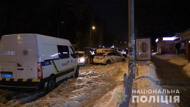 В Киеве парень убил мать и подругу и выбросился в окно