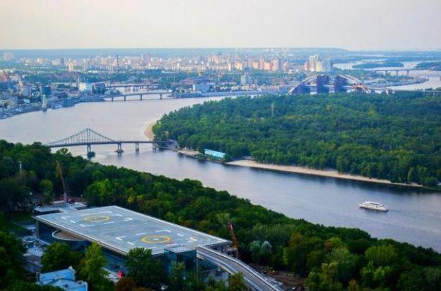 Киев отстаивает вертолетную площадку, которую через суды пытаются вернуть команде Януковича, - КГГА
