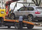 В Киеве начали эвакуировать автомобили за нарушение правил парковки