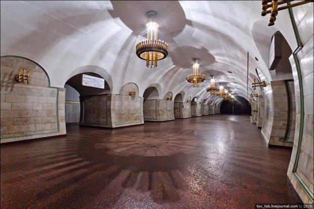 На станции метро «Площадь Льва Толстого» начался капитальный ремонт эскалаторов