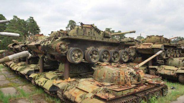 Кладбище военной техники, Киев