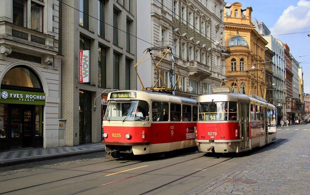 TETRA T3 - Самая распространённая модель трамваев. Именно эта модель курсирует в Киеве