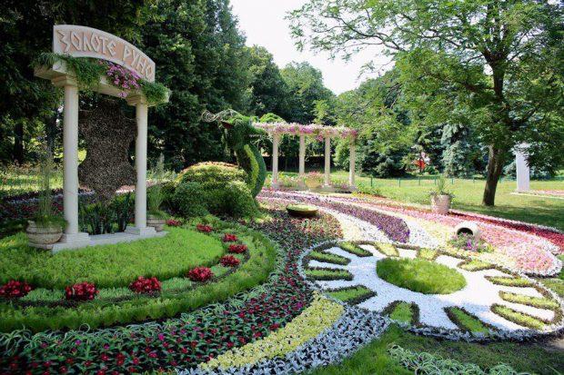 На Певческом поле установят национальный рекорд Украины по самому большому количеству цветочных инсталляций
