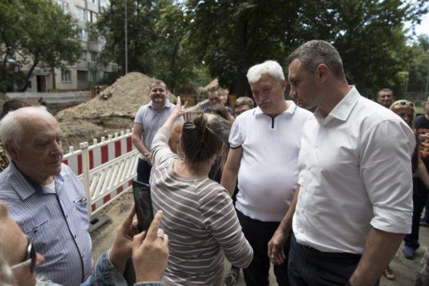 «На ремонт столичных дворов и проездов в этом году выделили около полумиллиарда гривен», - Кличко