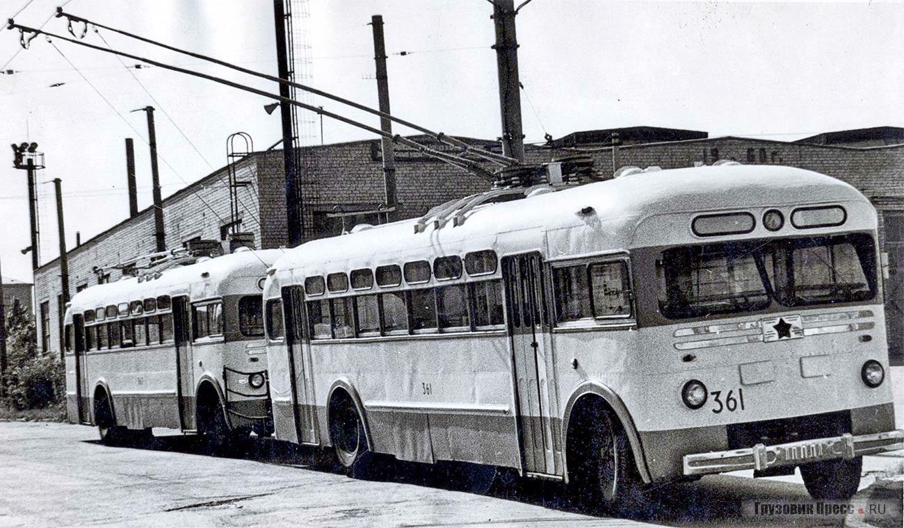 Троллейбусный поезд Киев