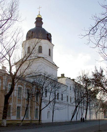 Благовещенская церковь, возведенная в 1740-х, часть Староакадемического корпуса