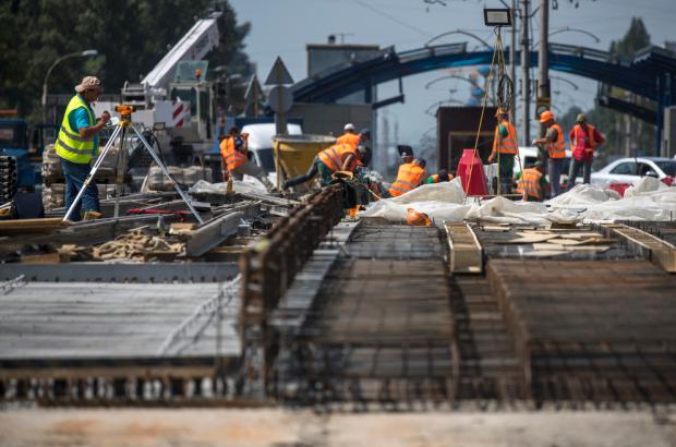 «Ремонт Борщаговского моста идет по графику, работы не прекращаются и ночью», - Кличко