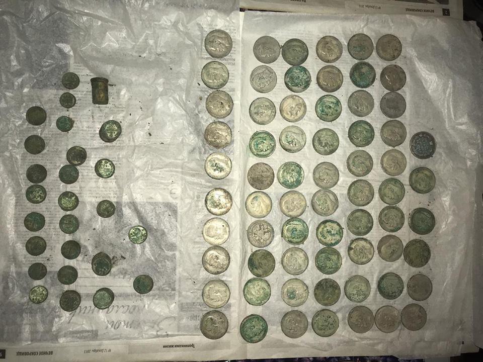Клад нашли в офисе на Подоле Киев
