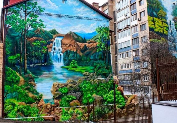 Водопад ул. Златоустовская, 26
