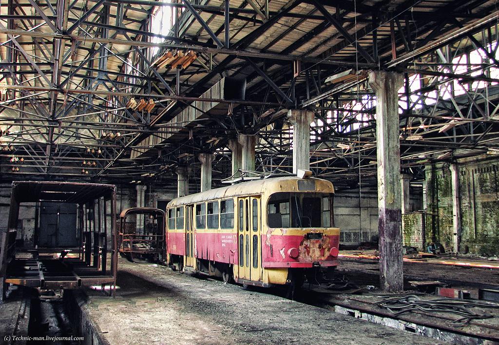 Киевский завод электротранспорта, Киев