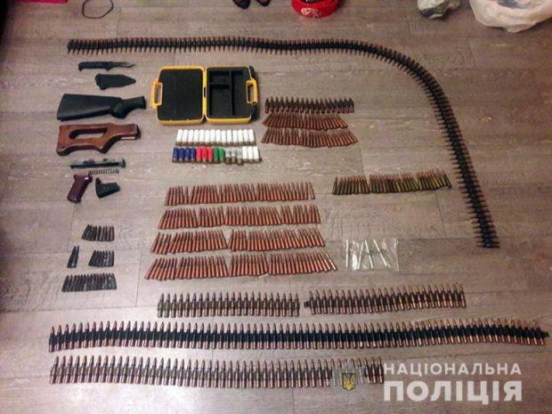 В Киеве задержали мужчину с арсеналом оружия