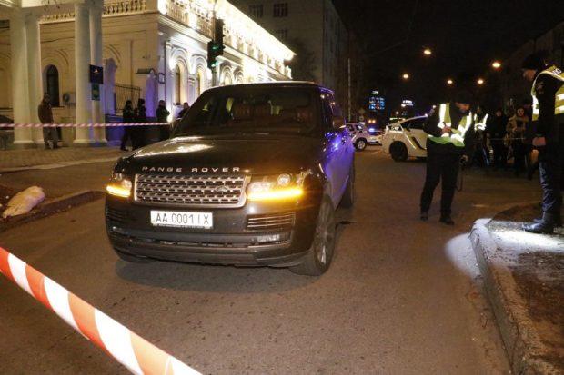 В Киеве неизвестный расстрелял Range Rover: погиб трехлетний ребенок
