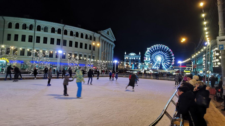 Каток на Контрактовой площади, Киев